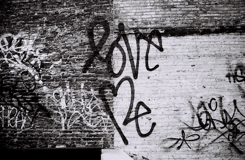 love_me_street_art_in_soho.jpg