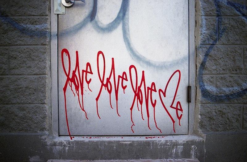 loveloveloveme_street_art.jpg
